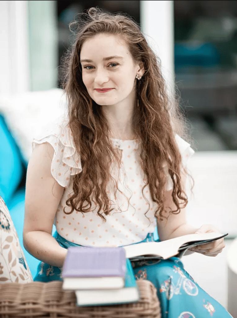 Alexandra Overy author pic